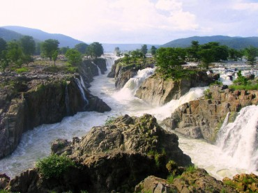 Hoggenakal-Falls_south-india_kaveri-river