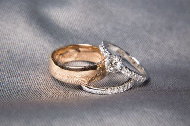 64042902 - two wedding rings with diamond on platinum rings