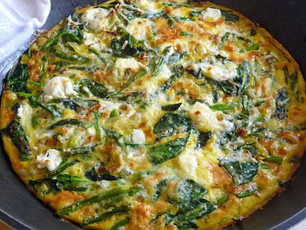 Asparagus And Fresh Mozzarella Frittata With Parmesan And Chives ...