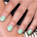 green nail