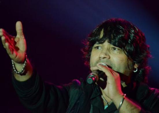 Kailash-Kher-Live-in-Concert-at-VADFEST-2015-in-Vadodara-on-24-January