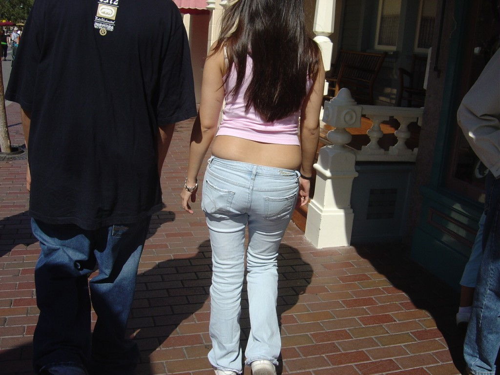 wrong_tight_jeans