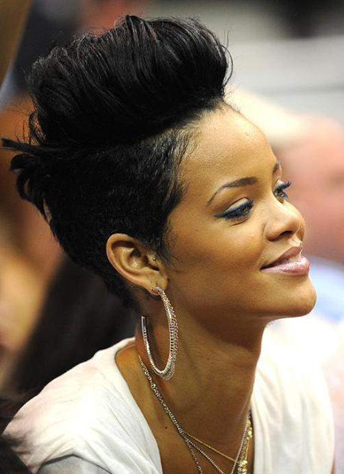 Quirky Amp Sizzling Mohawks Of Rihanna