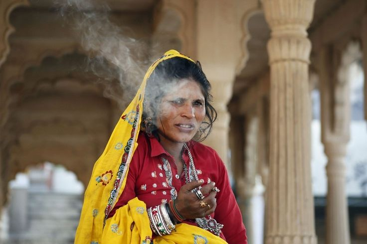 woman tobacco