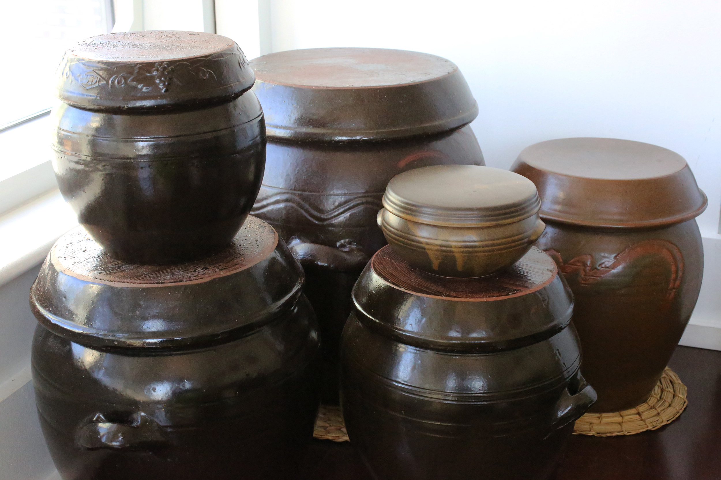 Earthenware-Jars-and-Crocks
