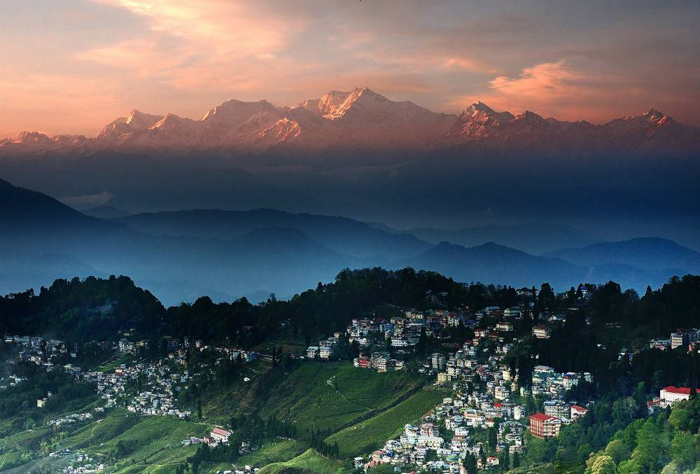 Women Planet Travel - Darjeeling Honeymoon