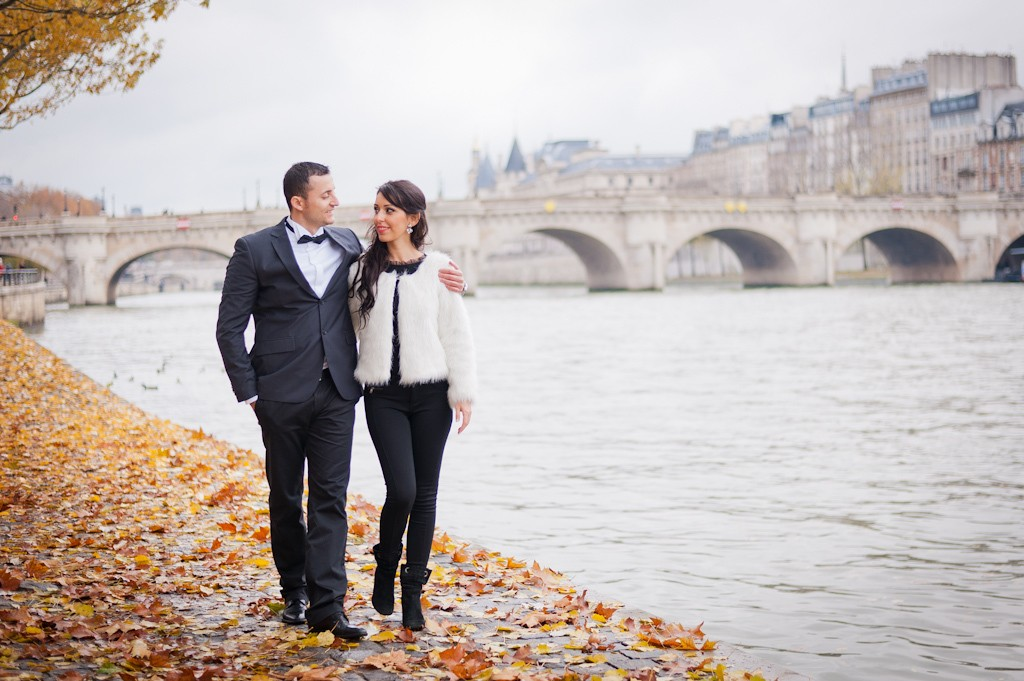 paris-photographer-romantic-walk-river-seine-paris